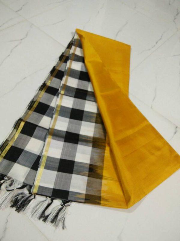 uppada border checks silk saree-2